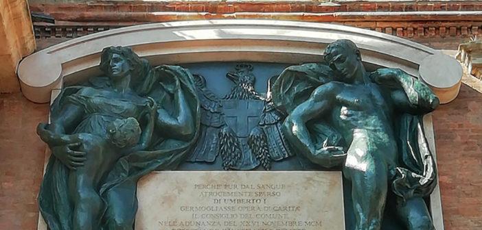 Le statue di Romagnoli di nuovo a Palazzo